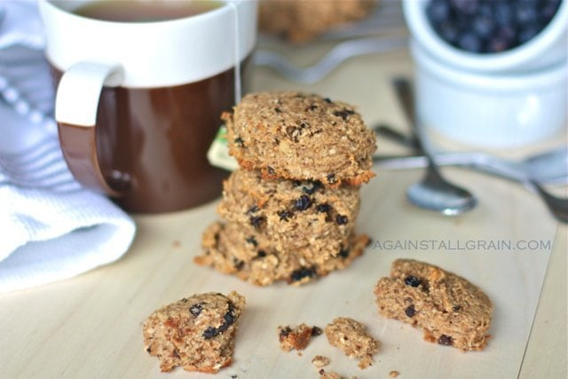 Chewy and moist breakfast cookies rich in fiber and protein.