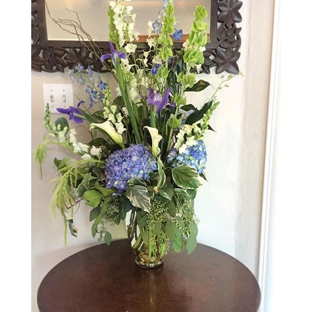 I_m_a_happy_girl_when_there_s_fresh_flowers_around._Thanks_to_my_amazing_publisher__tenspeedpress_for_the_gorgeous_arrangement_
