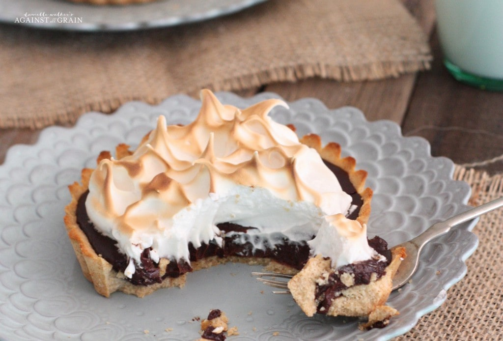 S'more Tart With Logo