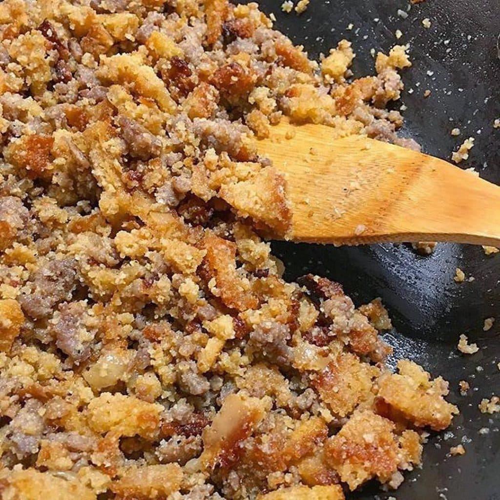 cornbread-thanksgiving-stuffing