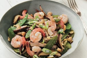 Whole30 Cookbook – Shrimp, Snow Pea, and Shiitake Stir-Fry